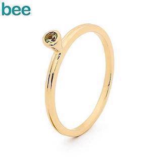 Bee Jewelry - gold ring in 9 carat with green peridot
