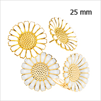 Daisy earrings and ear clips from Lund Copenhagen, 25 mm in diameter