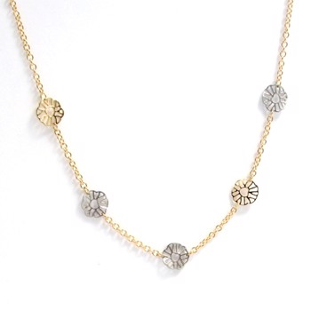 14 carat Italian designed gold necklas with flowers