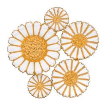 Daisy Brooch / Pendant with several sizes Daisies from Lund Copenhagen