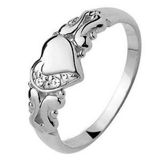 Romantic 9 ct love white gold ring